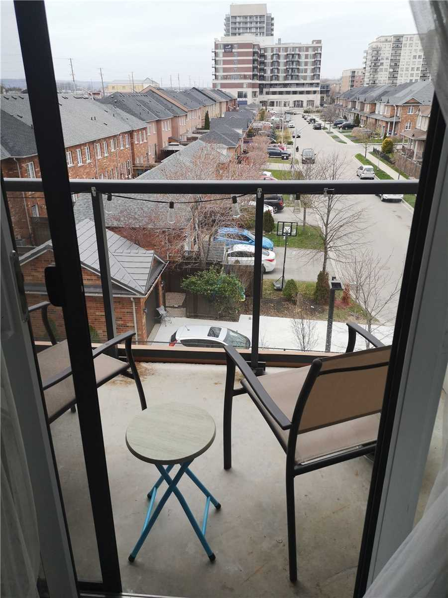 This Beautifully Presented 1 Bedroom + Den Located In A Great Neighborhood Of Burlington. Open Concept High Ceilings, Upgraded Kitchen, Ensuite Close To Go Station, Qew, 407 Hwy & Shopping.