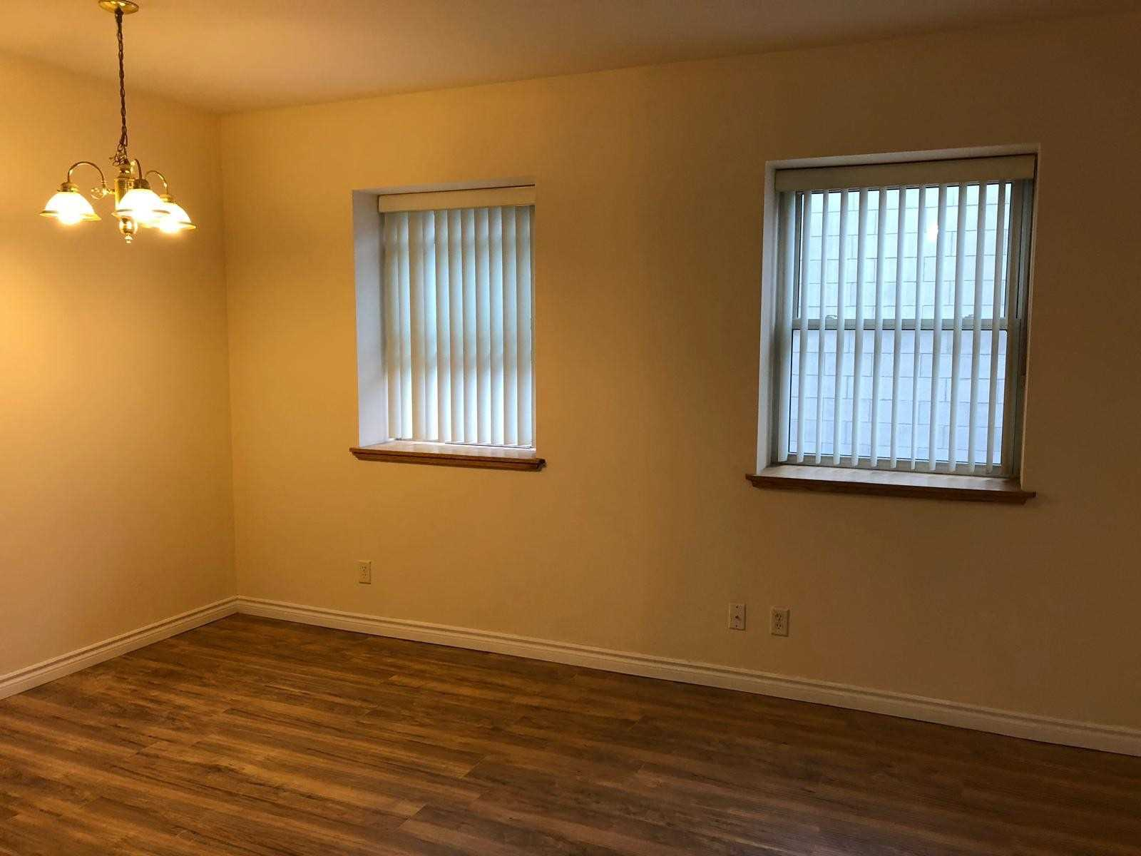 This Is It The Search Is Over, The Best Value In The City. Amazing Downtown Location In The Heart Of Downtown Beautiful Guelph, Spacious 2 Bed, Well Maintained. Everything Around You Mall Trails Restaurants Church Farmers Market Go Transit And Much More....