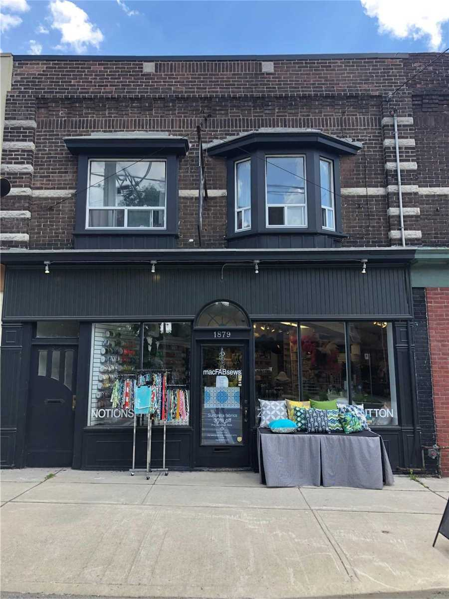 Commercial Space Available In The Quaint Upper Beaches Neighbourhood. Wide Retail Frontage With Large Windows And Attractive Street Presence. Bus Stop At The Door. Suitable For Many Uses Including Cafe, Coffee Shop, Restaurant, Retail Or Service, Art Gallery, Real Estate, Law Firm, Pet Services... Bring Your Concept!