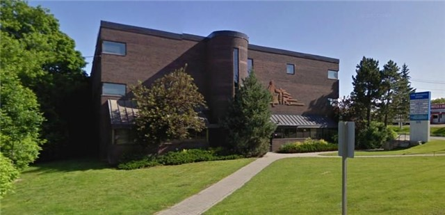 New Market Medical Centre. Established Medical Tenancy Including Pharmacy, Lab, X-Ray. Adjacent To South Lake Regional Health Centre. Minutes To Newmarket Go Station. Public Transit At Door. Finished Medical Office Space Move-In Condition. Rental Rate Is Net. Tenant Pays Tmi. Corner Suite