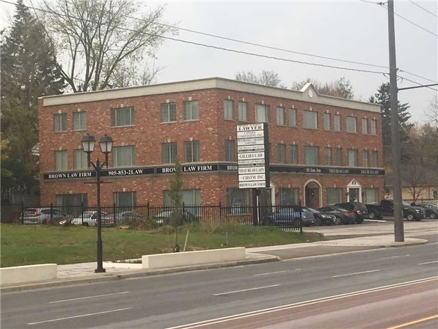 Prime Main Floor Office Space On Davis Drive.  Building Under New Ownership. Good For Office Or Retail Uses. Close To Main St. On Transit Route. Great Exposure. High Quality Finishes.  Private Entrance Into Unit. Currently 3 Large Offices, Open Area And Kitchenette, And Washroom.