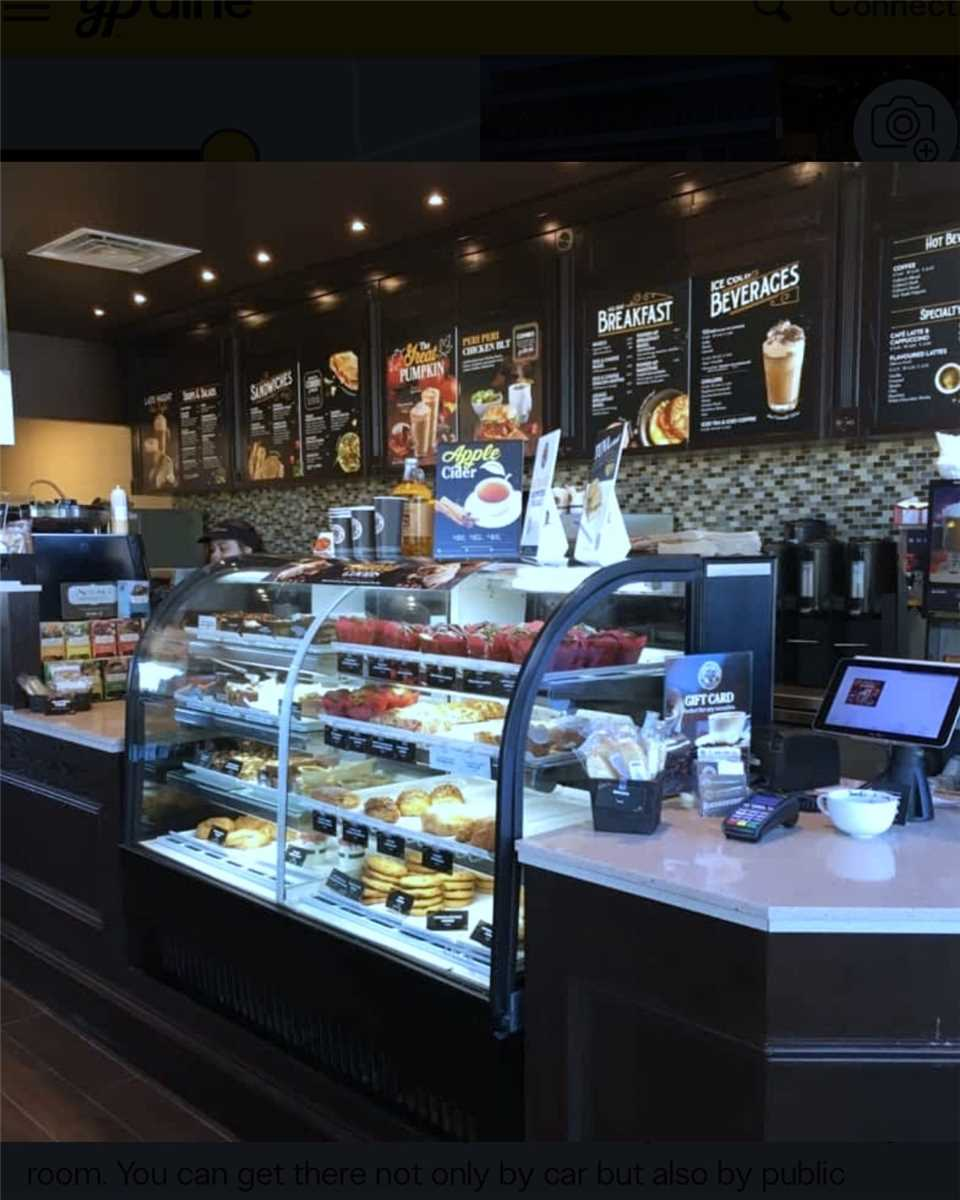 """Coffee Culture"" Located In A Premium Location At The Busy Intersection Of Big Bay Point & Yonge Street And Minutes From The Go Station. Other Aaa Tenants In The Building Include The Bmo. End Unit With Prime Exposure. This Is An Excellent Opportunity For An Owner/Operator. Turnkey Operation With Excellent Staff. Warm & Welcoming Coffee Shop With Cozy Fireplace, Comfortable Booths, Power Outlets & Wifi. Business Is Entering Its Fourth Year With Steady Growth."