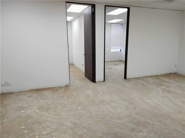 Great Office Space Located Next To City Hall! Many Retailers Located Below! Lots Of Free Outdoor Parking! Various Sizes Available, Perfect For Small Businesses Or Large Offices! Landlord Willing To Renovate Unit Before Occupancy!