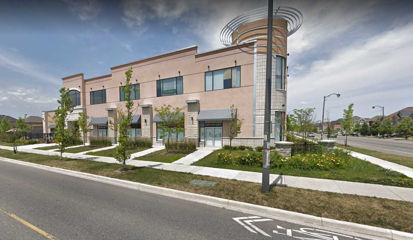 Great Unit In A Brand New Plaza In Burlington New Subdivision.Excellent Location & Great Exposure,Close To Senior Secondary School, Recreation Centre, Public Library & Parks, Close To Dundas, Appleby & 407. Lots Of Opportunities To Grow. Hvac, Finished Walls And Floor. Utilities Connected To The Unit. Rough In For Washroom! This Unit Has Two Entrances And Great Exposure!!