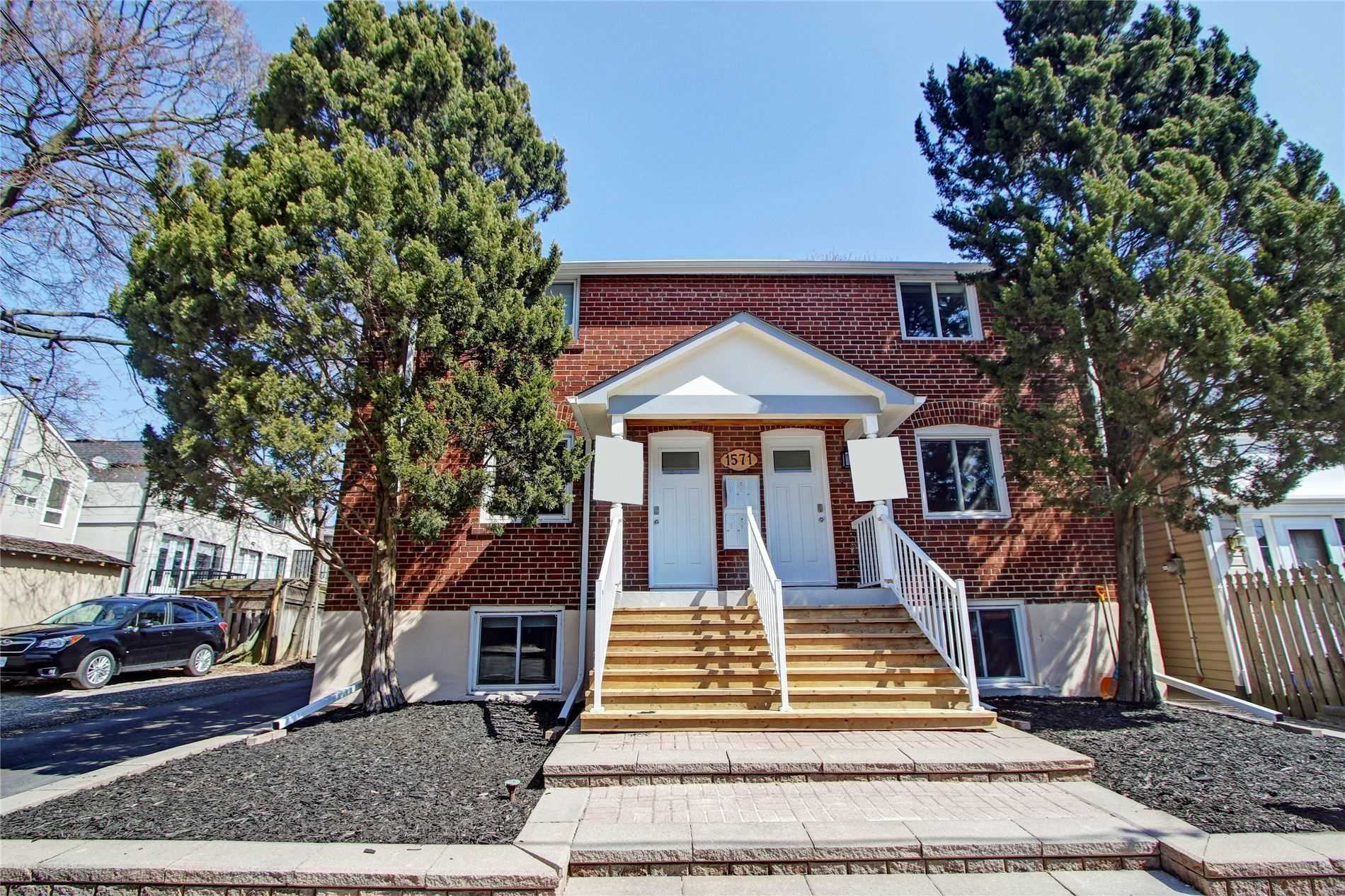 Beautiful Updated 1 Bedroom Unit In Sought After Lawrence Park. The Unit Has Been Recently Updated And Is Located Close To Transit, Highways, & Amazing Schools! Heat, Hydro, And Water Included! Parking Available At An Additional Fee.