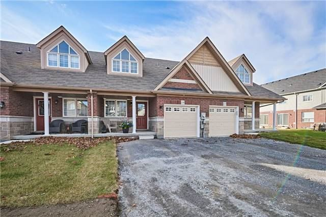 Not Only Is This A Fantastic Neighborhood But This Almost 1250 Sf. Bungaloft Has Everything That You Could Want! Spectacular Upgraded Kitchen With All The Bells And Whistles. Large Rooms Each With Ensuite Bathroom. You Will Love The Ready For Entertaining Open Floor Plan Fulfilled With Sunlight And Big Windows To Watch The Sunset With A Nice Glass Of Wine. Close To Everything Including The 401. Oversized Backyard!!