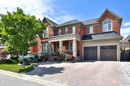 Welcome To Inspiration Community Waterford Model Boasting Over 5000 Square Feet Of Luxury Finished Space. Lovingly Cared For By The Same Family. Master Paul Ng Feng Shui Certified As Excellent Education Zone.