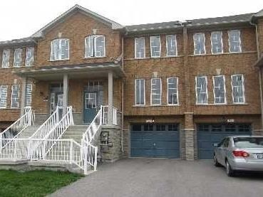 Bright And Spacious 1918 Sqft Townhouse In One Of The Most Demand Neighbourhood Of Aurora! Double Door Entrance! Big Hallway! 9Ft Ceilings! Open Concept! Hardwood Floors In Living And Dining Rm! Eat-In Kitchen W/O To The Deck! 3 Bedrooms, 3 Bathrms! 2 W/I Closets! W/O Bsmt! Wide Garage With Extra Storage! 2nd Flr Laundry Room!
