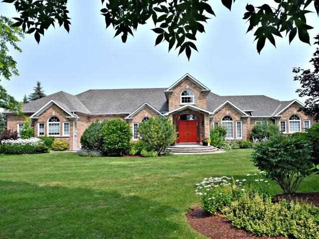 This Spectacular 4,450 Sq. Ft Bungalow (With Approx 3,956 Sq. Ft Fully Finished Bsmt) Sits On 2.73 Acres At The End Of A Quiet Court In Aurora. This Exquisite 4 Bdrm House Is Surrounded By Mature Trees, Well Maintained Green Space, Beautiful Landscaping, An In-Ground Pool & Hot Tub, And Backs Onto The Aurora Golf Course. The House Boasts A Spacious Open Concept With Large Windows That Provide Plenty Of Natural Light & Great View Of The Backyard.