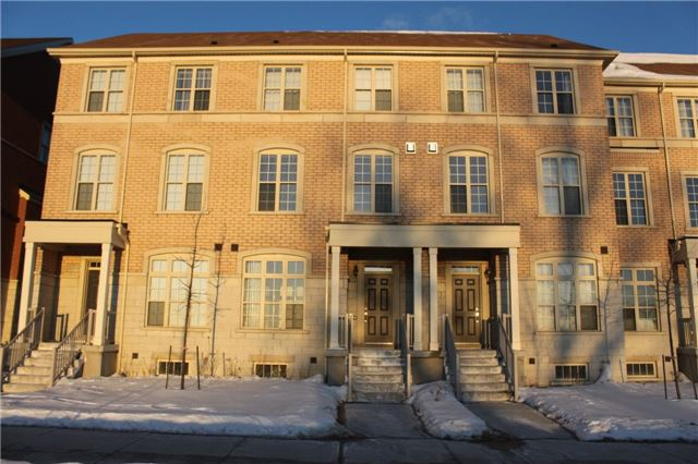 3-Storey Freehold Townhome W/2 Parking Spots, Lots Of Upgrades, Full Size Appliances, Oak Stairs, Basement Laundry, Kitchen Island **9' Ceiling **Direct Access To Garage **Stained Hrwd Floor** Just A Quick Walk To Sir. John A. Macdonald P.S, Plazas, Banks And More! Beautiful Community