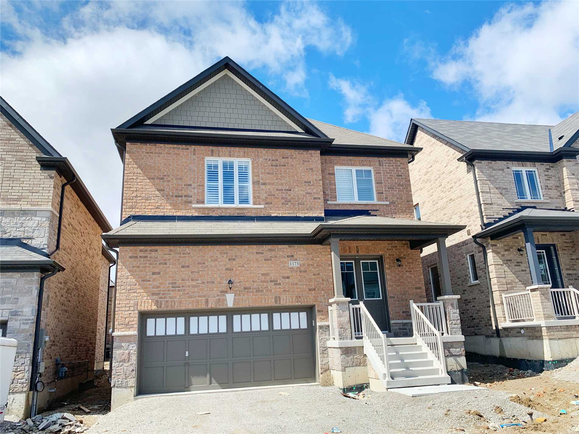 Beautiful Brand New Home For Rent In The Heart Of Innisfil. Main Floor 10 Feet Ceiling, Fire Place, Family Room, Great Room And An Open Concept Floor Plan. This Property Is Located Close To Beaches, Marina, Golf Courses, Parks, Tangiers Outlet Mall, Hwy 400, Future Go Station And Much More. Brand New Upgraded Appliances: Fridge, Dishwasher, Gas Stove, Washer & Dryer. Wooden Flooring Through Out The House.