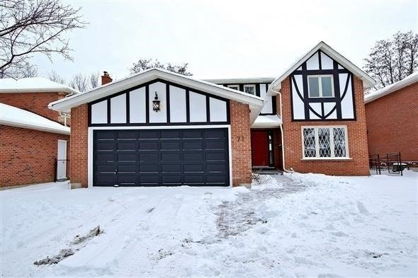 Beautifully Updated Bright And Spacious House On A Treed Lot Located On One Of The Best Streets In Aurora. Featuring A Gorgeous Renovated Kitchen With Centre Island, Stone Counters, Built-In Stainless Steel Appliances, And Stunning Views Of The Yard. Pool Size Private Yard Backs To Mature Trees. Featuring 4 Large Bedrooms, Private Family Room, And Formal Living/Dining.