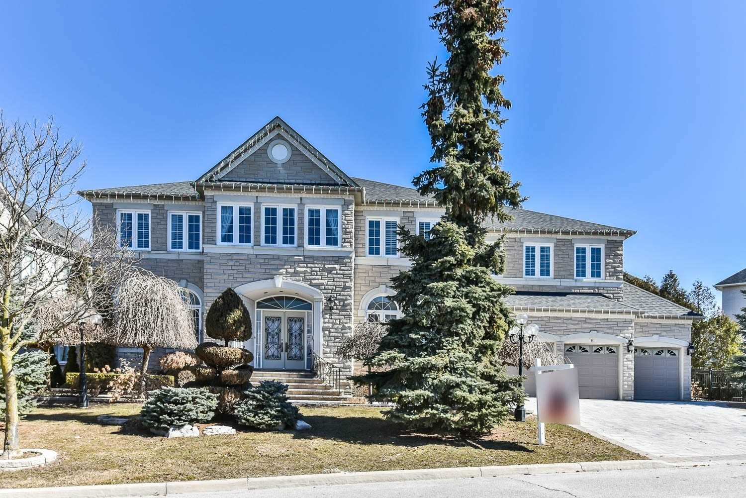 Impressive 7000Sf Nastasi Built Magnificent Mansion!! One Of The Best Appeal Cul De Sac In Prestigious Bayview Hill. Mins Walking To Park & Conservation. Top Ranking Schools. Luxuriously Newly Finished Basement With Theater, Bar & Gym. Extra Wide Stone Front Elevation W2 W5 Ensuites. Lovely Lushy Mature Landscaping!
