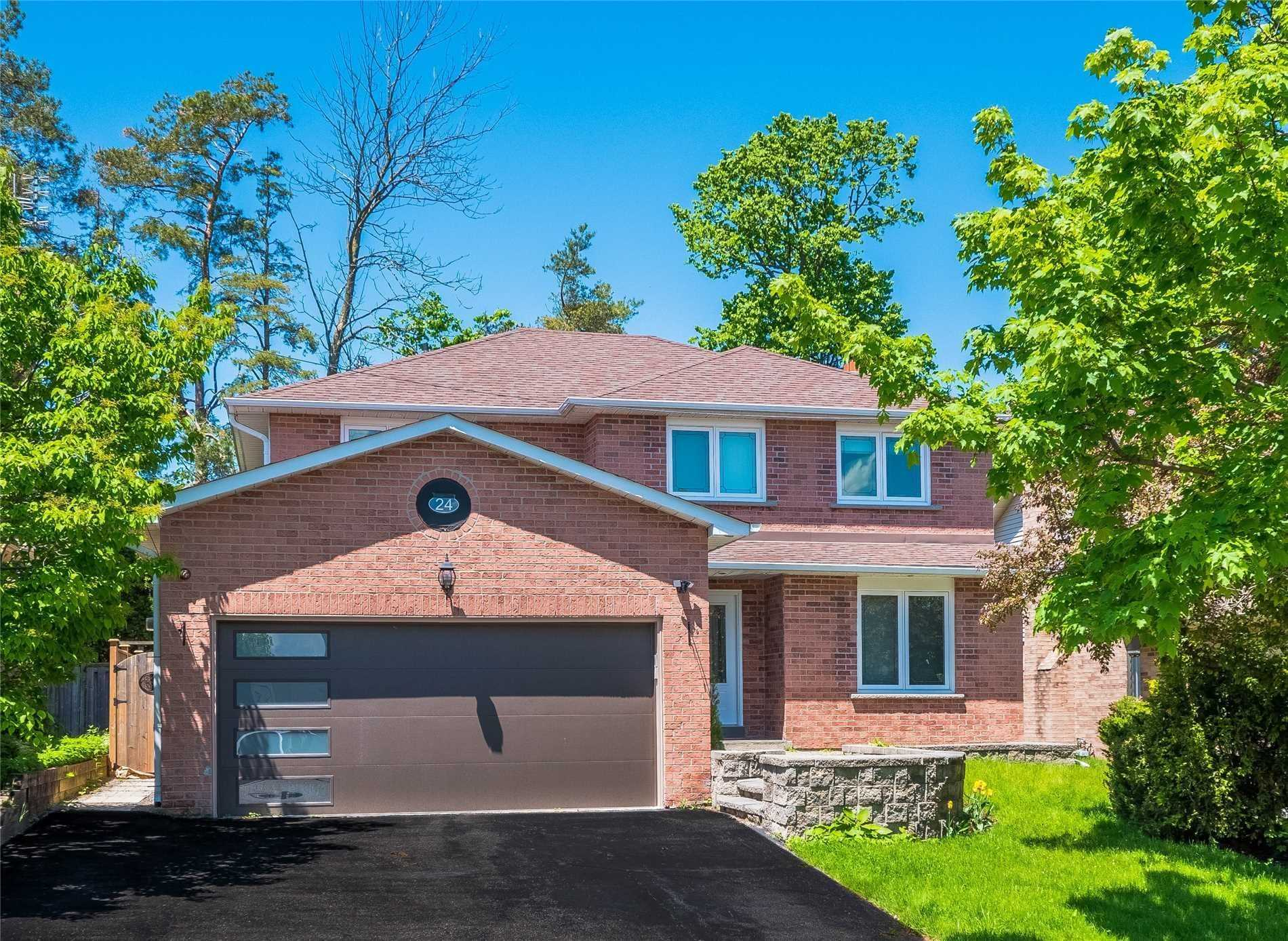 Renovated Top To Bottom 4+2 Bedroom Detached Home * Living & Dining Rm W/Crown Moulding & Bay Window * New Custom Eat-In Kitchen W/S/S Appl & Granite Counters * Breakfast Area W/W/O To Large Deck * Family Rm W/Gas Fireplace * Master Bedroom W/4Pc Ensuite & W/I Closet * Newly Renovated Fin'd Bsmt W/Living+Kithcenette+2 Bdrms+3Pc Bath & Wood Burning Fireplace * New Hardwood Flrs Thru-Out * Private Backyard W/Large Covered Deck & New Hot Tub * Double Car Garage