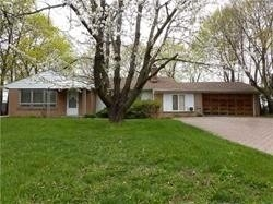 Spacious Elegant Home Located On Desirable Streets In The Uplands Area!Renovated Eat-In Kit, Renovated Bathrooms,2 Fireplaces,Sep Entrace To Garage, Roof 2018, Windows(2018).Amenities Include Proximity To Go Train, Hwy 7/407, Yrt At Yonge Street, Schools, Golf Courses. Front Interlock Driveway
