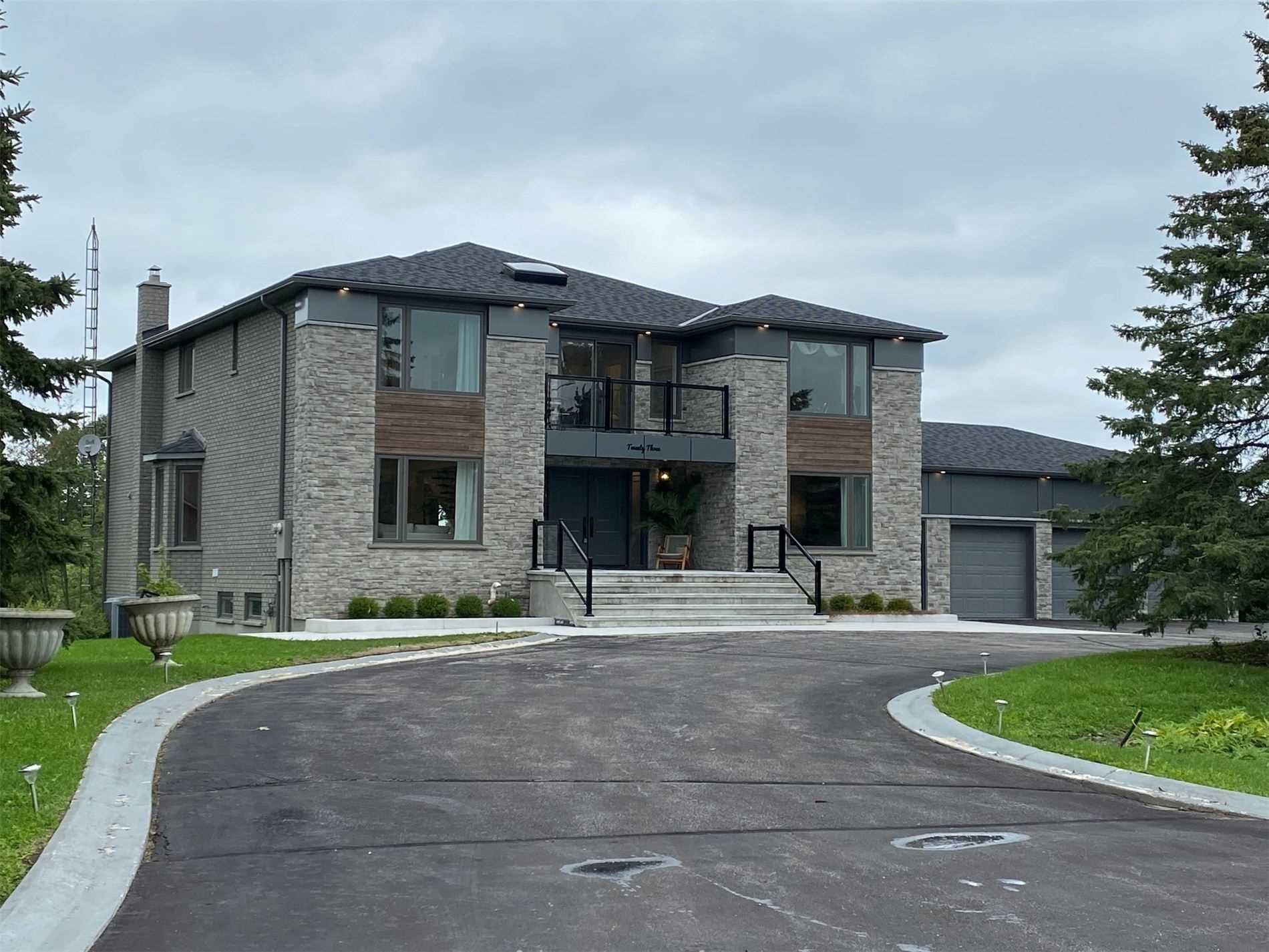 Stunning Modern Prof Renovated 4 Bedroom Executive Dream Home, Located On Approx An Acre, Backing Onto Golf Course.  Featuring: Over $800K In Recent Designer Magazine Quality Renos Incl:  A Beautiful Upscale Chef's Kitchen, Ss Gas Stove, Ss Fridge, Ss Dishwasher, Ss Microwave, Brkfst Bar, Marble Counter Tops, W/O To Deck, O/L Golf Course! Dark Hardwood Floors And Pot Lights Throughout, 3 Fireplaces, Spacious Bedrooms, W/O Bsmt W Sep Ent  & Sauna, 3 Car Garage
