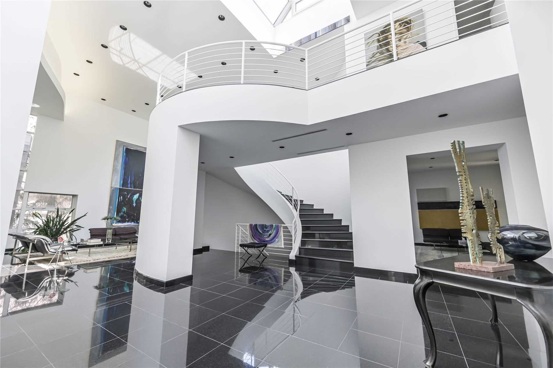 Absolutely Spectacular Modern Masterpiece Situated On Large Estate Lot In Prestigious Bayview Glen!! Nestled In A Serene Muskoka-Like Setting & Filled W/ Natural Light, This Home Features Approx 8,000 S/F Of Open Living Space, Soaring Ceilings (10' Main, 10' Upper, 9' Bsmt), 5 Bdrms, 7 Bathrooms, Gourmet Kitchen W/Integrated Appliances & Large Centre Island, Finished W/O Bsmt Complete W/ Nanny Suite, Backyard Oasis W/ In-Ground Pool & Much More!!!