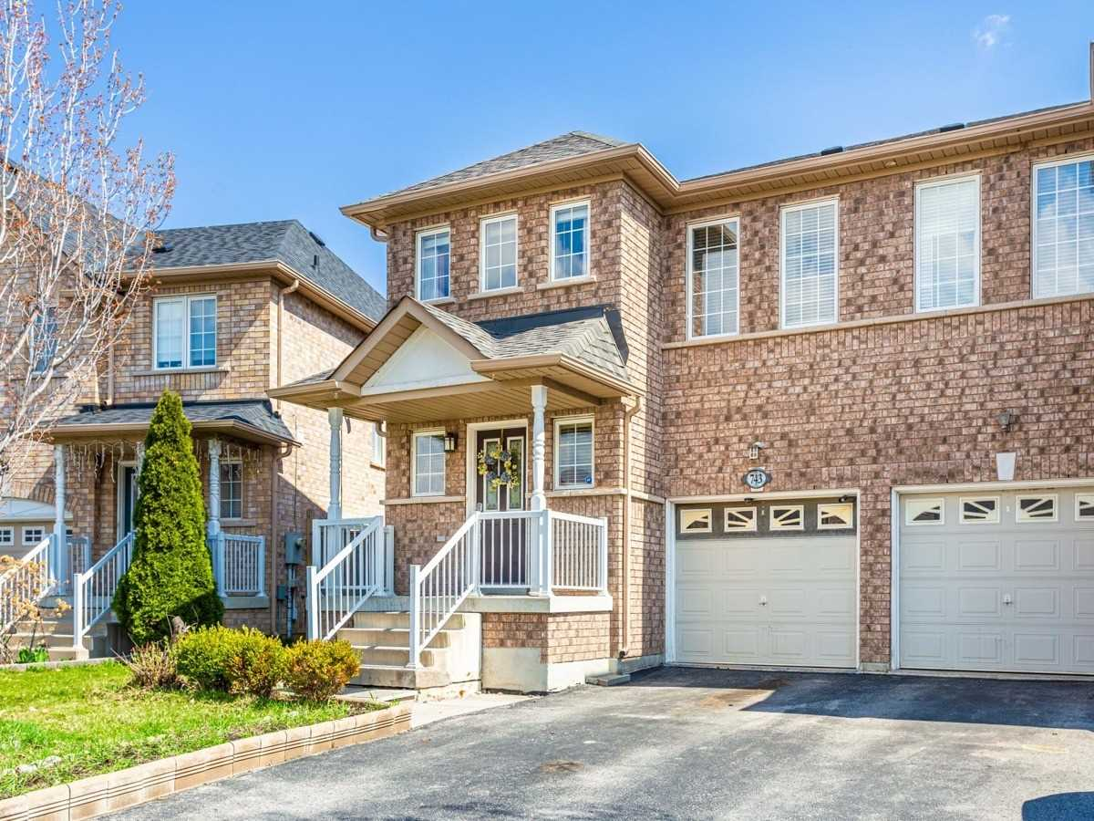 Most Affordable Semi In One Of The Most Sought After Community Of South Unionville. Welcoming Front Garden. Tastefully Decorated & Well Maintained. New Paint, Granite Countertops. Private Backyard Fully Fenced W/8X8Ft Deck. Great For Summer Entertaining. Pro Finished Basement With Recreation Room, Bedroom, Bathroom. Close To Shopping Mall, Super Market, Parks...