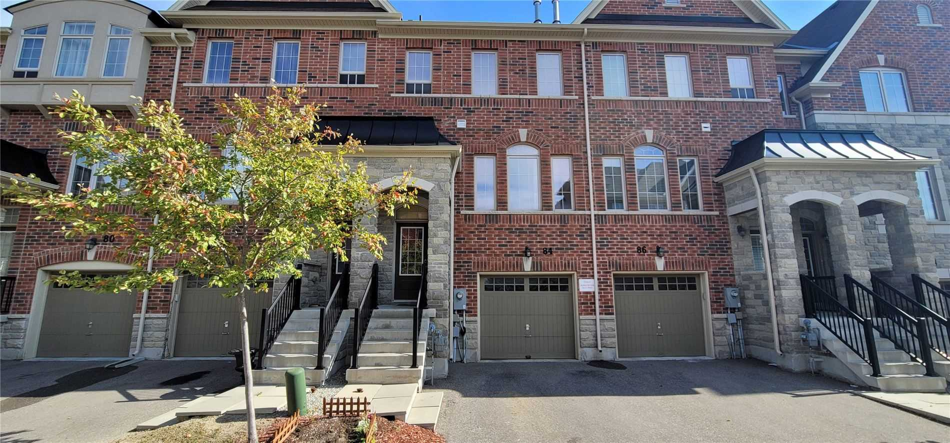 Upscale, Bright, Energy Efficient Open Concept Townhouse. Approx 2000 Sq F Of Finished Area With 9'' Ceilings. Perfect Location, Close To Public Transportation, Quiet, Kids Friendly Neighborhood, 3 Way Fireplace, Huge Windows Throughout, Hardwood Floors, S/S Appliances, Granite Countertop. Within Boundaries Of Trillium Woods Ps And Richmond Hill High School. Master Bedroom Ensuite With Double Sink And Glass Frame Shower
