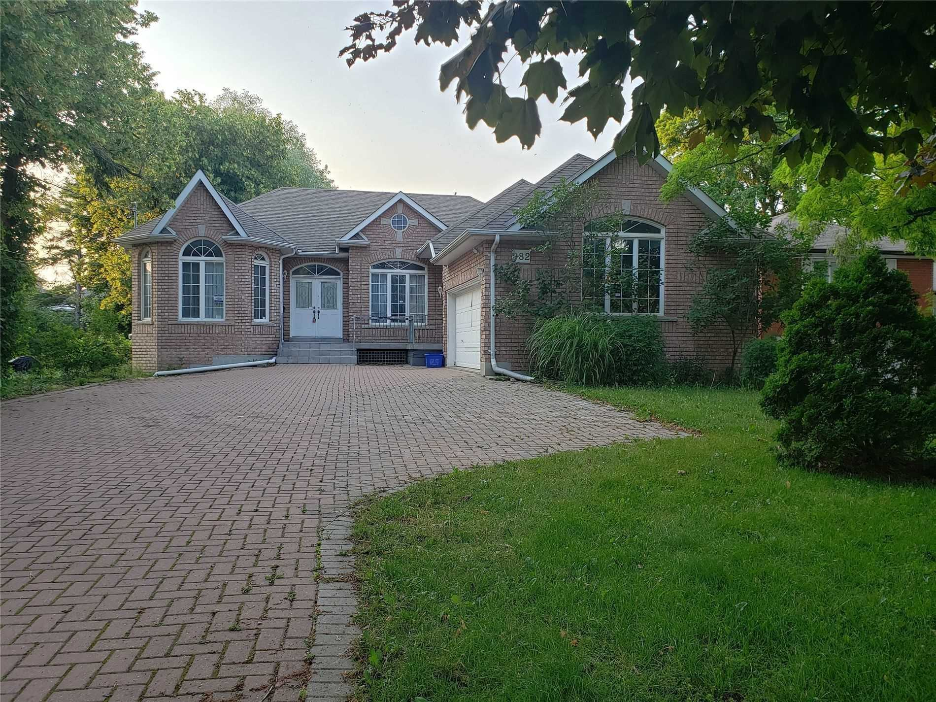 Gorgeous Spacious Detached Home In Highly Desirable Richmond Hill (Westbrook), 9' Smooth Ceilings, Close To All Amenities, Walking Distance To Yonge St. Transit, School, Libraries & Parks. A Complete, Remarkable Property. There Also Are Two Extra Room Usable As Bedroom Or Office. The Mail Floor Is Vacant And The Basement Is Tenanted.