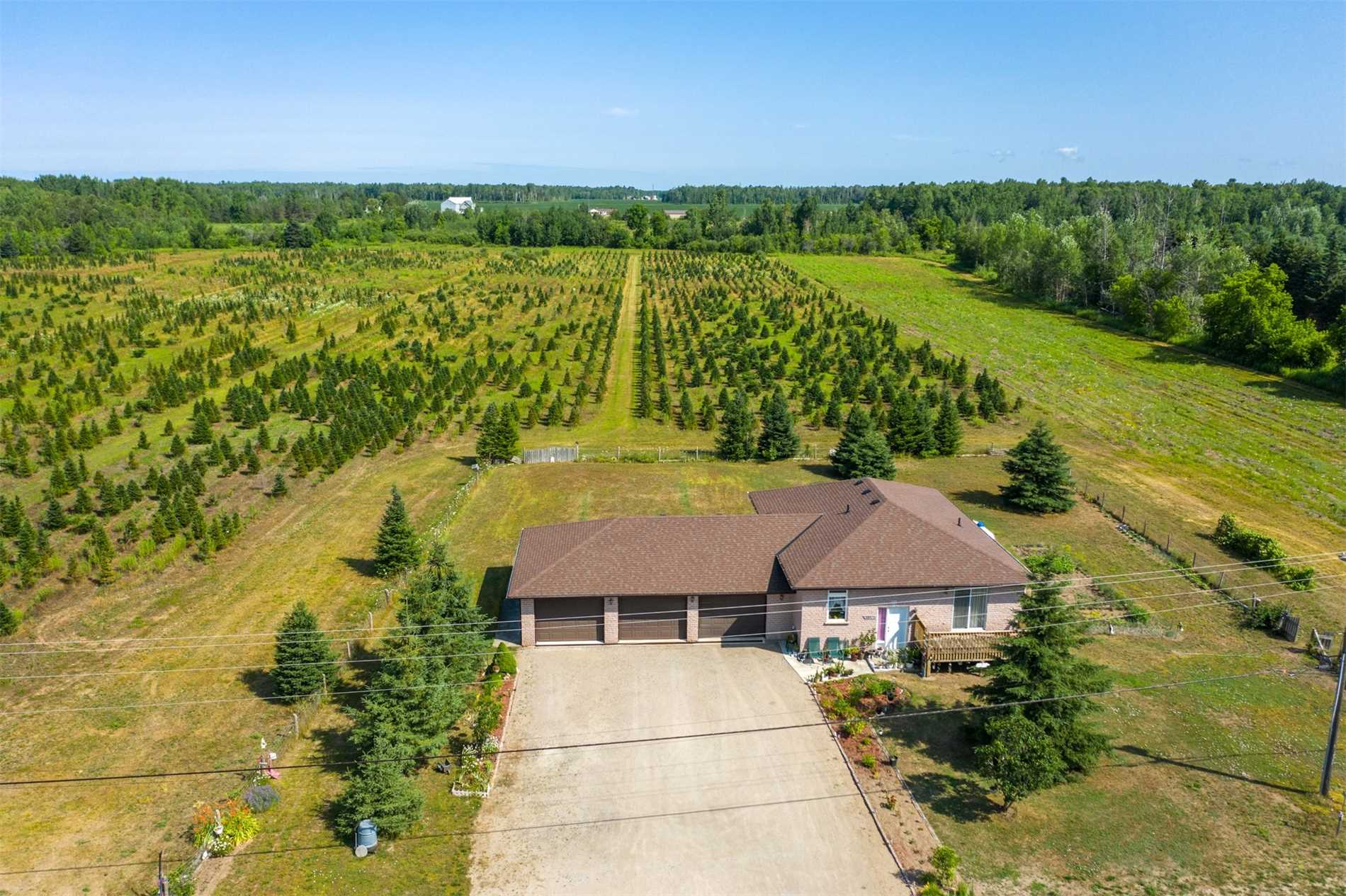 Remarkable Home On Over 100 Acre Lot. Bright & Open Spaces In Well Maintained Bungalow. Massive Living/Dining Rm W/Fireplace & W/O To Large Deck. Kitchen Provides Ample Cupboard & Counterspace W/Breakfast Bar. Inside Entry From The 3 Car Garage. 2 Spacious Bdrms, Master Included W/I Closet & Full Ensuite. Finished Basement W/Only Floors To Be Installed Features Huge Laundry Rm, Storage & Extra Living Space. W/O To Enjoy The Picturesque Property That