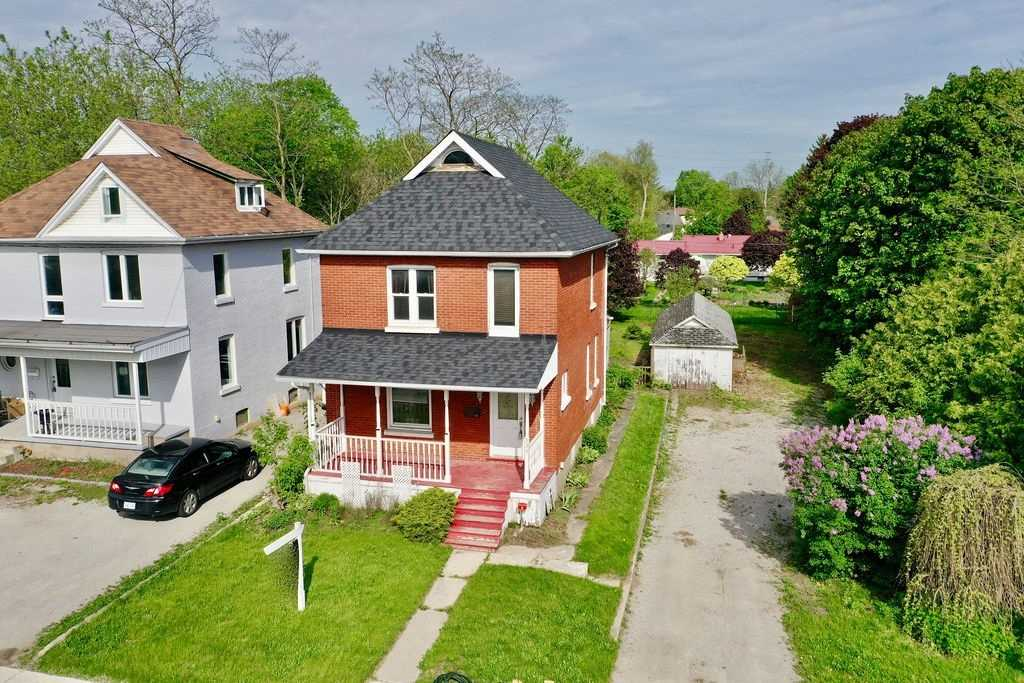 Well Kept 2 Story Home Located In An Intensification Corridor Within The City Of Barrie Official Plan. This All Brick 2 Story Home Is An Excellent Opportunity For Investors And Sits On A Generous 66' X 165' Lot. Zoning Is Rm2. The Home Is Equipped With 3 Bedrooms, 1.1 Bathrooms And Features Main Floor Laundry, Original Hardwood Flooring, A Corner Gas Fireplace And A Walkout To The Large Backyard. It Also Features A New Roof (2019) And New Windows (2018).