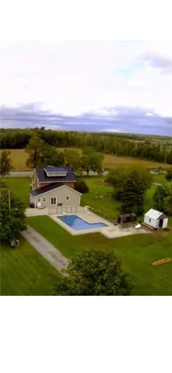 2 1/2 Storey Brick Home Situated On A Country Lot With 32 X 16 L Shaped Pool, Diving Board, New Liner 2021, Pool Shed & Nicely Landscaped. Interior Features Gorgeous Maple Kitchen Cabinets With Quartz Countertop, Plenty Of Cabinets, 3 Bdrms, 2-4Pc Renovated Bathrooms. 300Sf Loft With B/I Cupboards Great For Master Br. Exterior Features New Metal Roof 2021 & Deck. Many More Upgrades. 10 Mins To Orillia, 5 Mins To Casino Rama & Public School Around The Corner.