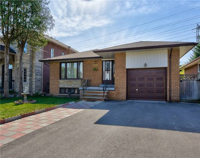 Solid Brick Bungalow Situated On A Huge 45' X 149' Lot Backing Onto A Park In Lakeview! This Lovingly Maintained Home Offers A Combined Living & Dining Space, Eat-In Kit & 3 Bdrms. The Bsmt Has Income Potential W/A Sep Ent & Is Bright & Spacious W/Lrg Above Grade Windows, Rec Room, Full Kit, 4th Bdrm & 3-Pc Bath. The Backyard Is Private & Fully Fenced, And Overlooks Serson Park W/Sports Fields, Splash Pad, Basketball Courts, Playground & Library.