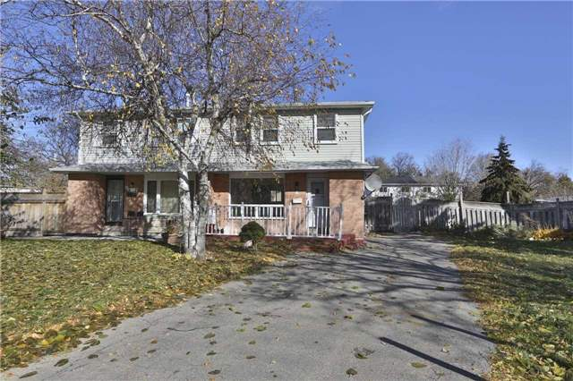 Gorgeous, 3 Bedroom, 2 Story House For Lease Located On A Child Safe Quite Court, Shining Strip Hardwood Floor. Spacious Living Room Overlooking Front Yard!! Walking Distance To School, Shopping, Public Transit & New Hospital. All Good Size Bedrooms. Laundry On Main Floor. Shows A+