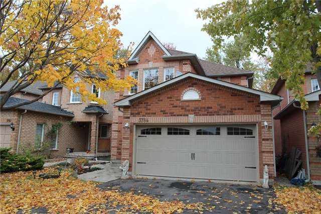 Awesome Grade Level Walkout Basement In Lisgar Mississauga. Feel's Like Main Floor With Large Deck Facing Ravine/Greenspace. Large, Bright Kitchen With Breathtaking View. Laminate Floor. 2 Bedrooms And 4 Piece Washroom. This Home Is A Must See!