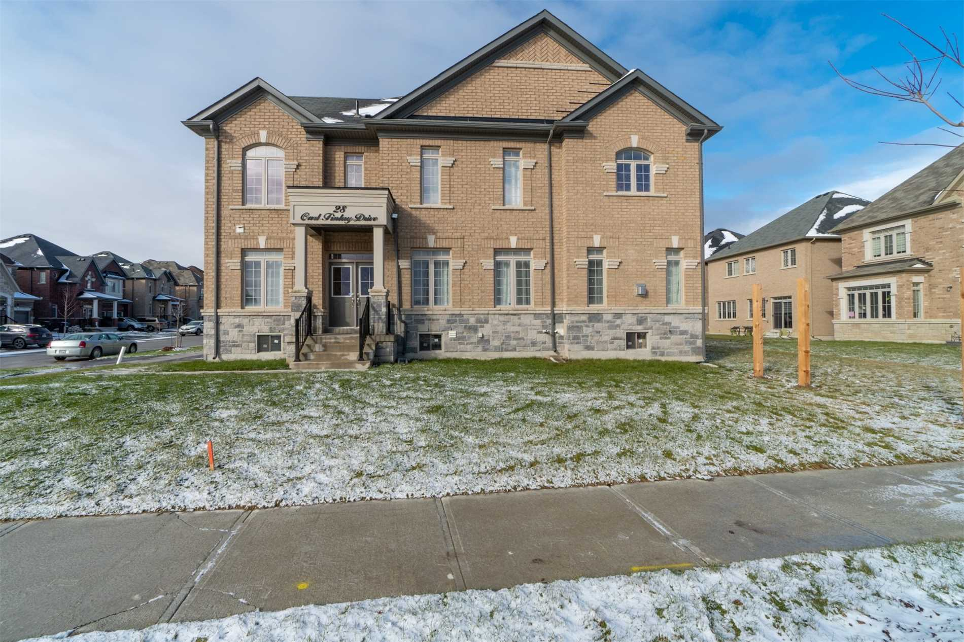 Premium Corner Lot, Brick/Stone 4 Beds, 4 Beds, 4 Baths  Home In Coveted Vales Of Humber. This Executive Home Boasts 10' Ceiling (Main) And 9' Ceilings In 2nd Level. Builder Upgraded Kitchen E/Granite Counter-Top And W/O To Backyard. Hardwood Throughout Main Level. Main Level Office, Second Floor Laundry, Bursting With Natural Light**
