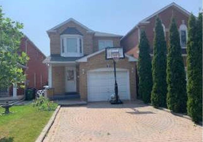 Excellent Location, Open Concept Main Floor, Interlock Driveway, Private Fenced Yard, Garage Access, Finished Basement Adds For More Living Space. Roof (2 Yrs), A/C (3 Yrs)