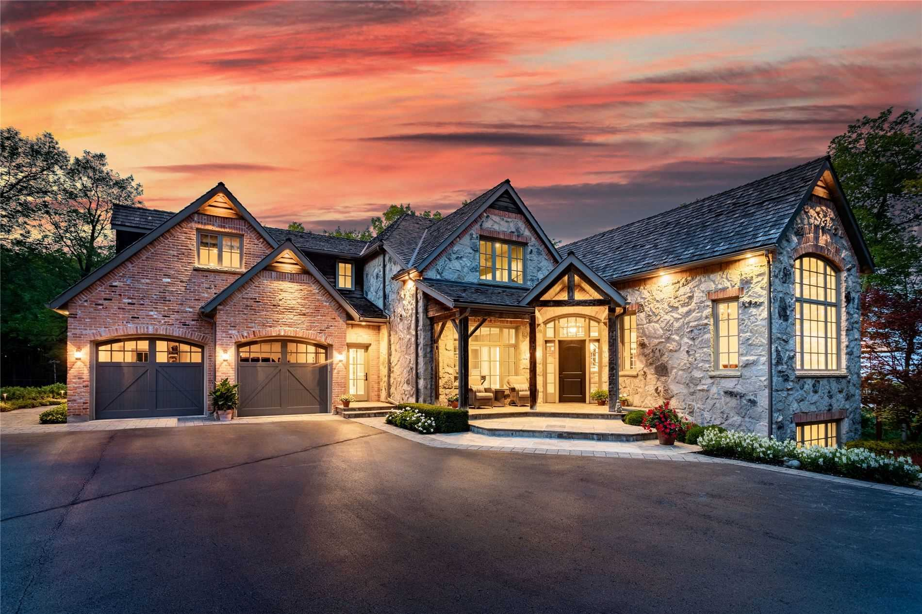 Hidden At The Edge Of The Niagara Escarpment You Will Find A Breath Taking Piece Of Paradise. Set On 29.5 Private Acres, Having Over 8000 Sqft, 2000 Linear Ft Of Cliff Frontage, & 200 Degree Unobstructed Views Of The Entire Gta. The 500 Metre Driveway Takes You To This Fully Custom Built 2 Car Garage Estate Home W/4 Car Coach House. An Architectural Masterpiece Adorned W/Reclaimed 100 Year Old Brick & Hand-Cut Stone, & Ample Windows Place W/The View In Mind.