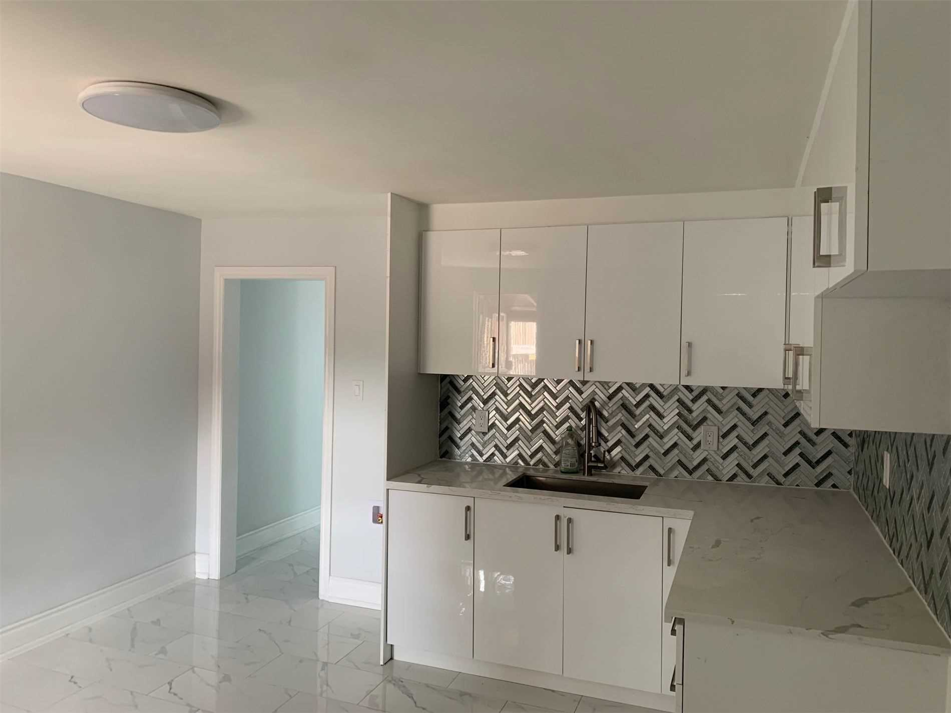 An Opportunity To Rent A Bright & Spacious Three-Bedroom Apartment On The Second Floor. In Downtown Toronto, Fantastic Location, Bus Out Front. Minutes To Subway Station. It Has No Living Room. Suitable For 3 Working Professional Or Student.