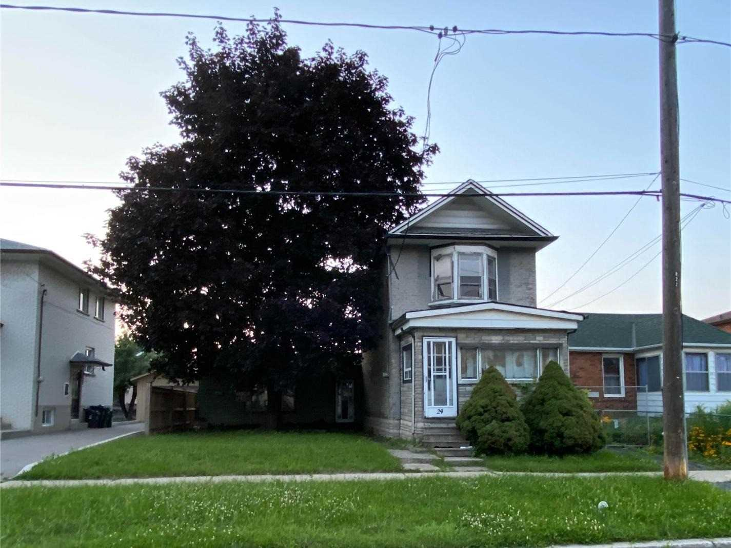 """Attention All Builders & Investors, Great Opportunity To Buy 2 Lots Side By Side To Build 2 Detached Homes (Each Lot Is 25' X 110'). Committee Of Adjustments Application Has Been Completed, Setbacks And Severance Have Been Approved And Granted. Being Sold For Land Value Only And """"As Is"""". Property Is Located On A Quiet Cul De Sac, Close To Public Transit, Highway, Walking Distance To Shopping And Humber River Trail, Parks, Etc."""