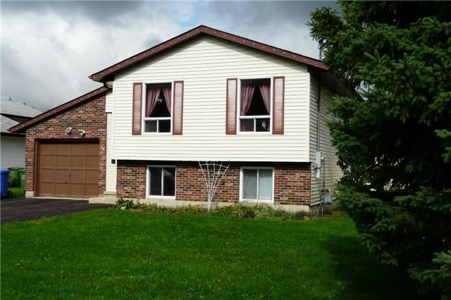 """Raised Bungalow With Fenced Yard On A Quiet Dead End Street Backing Onto Open Space. A/G Pool In Backyard In """"As Is"""" Condition"""