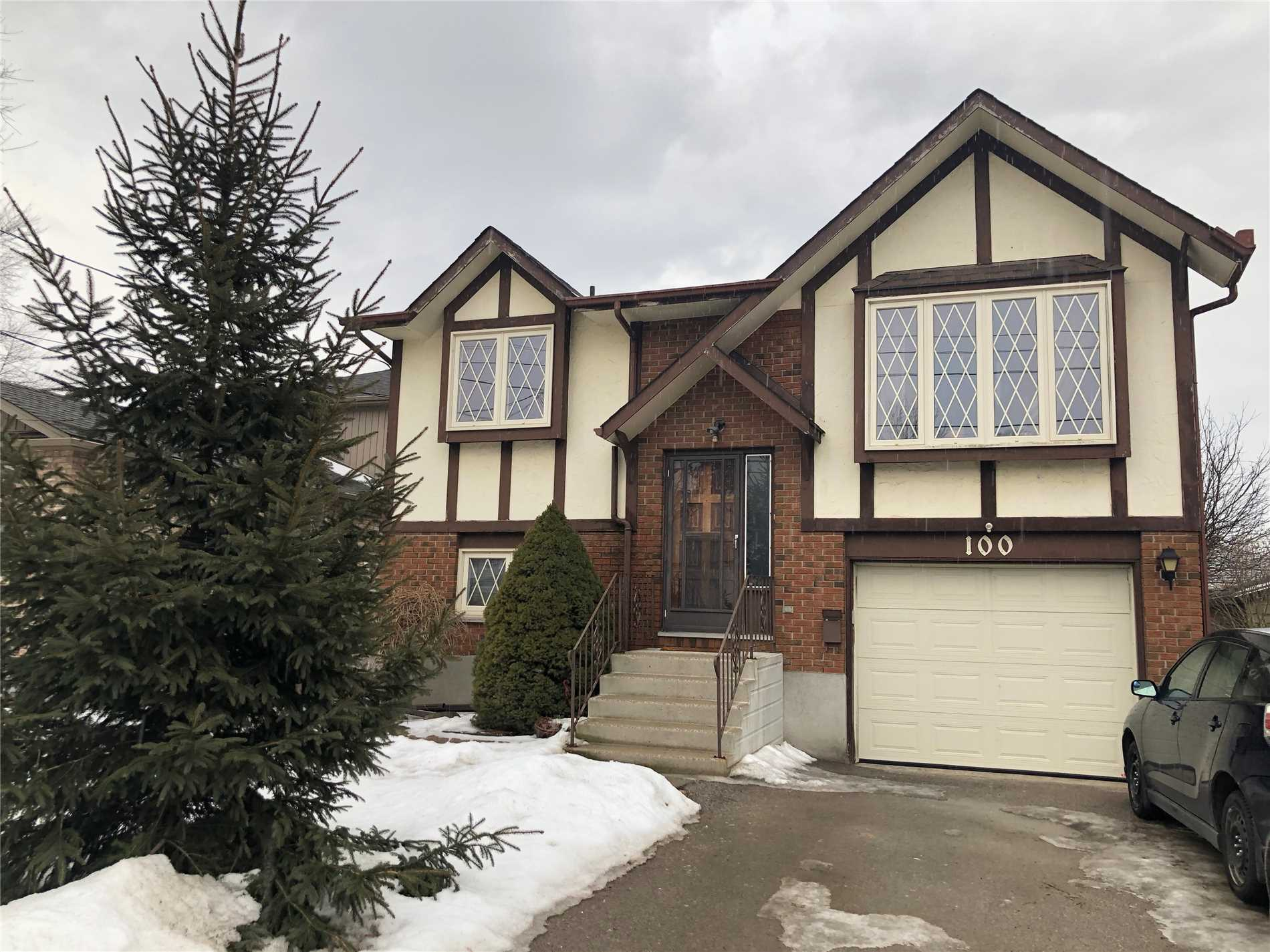 Beautiful Detached Home In Desirable Neighbourhood. Stunning Layout & Large Three Bedrooms. Fully Finished Basement With An Incredible Built In Bar. Minutes Away From Downtown & University Of Guelph. Close To Many Amenities, Restaurants Parks & Trails.  A Must See Property!