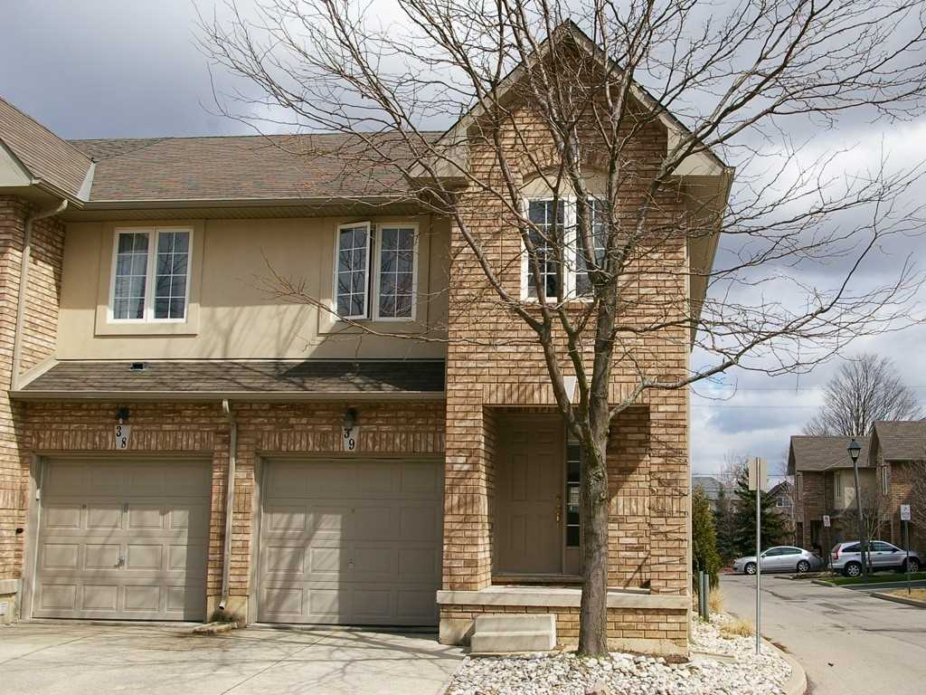 Terrific Freehold End Unit In Small Sought After Complex. Convenient Central Mountain Location, Steps To Parks, Transit & Upper James Shopping. Quick Access To The Linc, Perfect For Commuters. Open Concept Main Floor Layout With Walk-Out From Dining Room To Rear Yard. Granite Counter In Kitchen, Hardwood In Main Hall & Living Room. Master Bedroom Boasts Ensuite & Walk-In Closet. Road Fee $55/Month Includes Snow & Garbage Removal & Common Elements Maintenance.