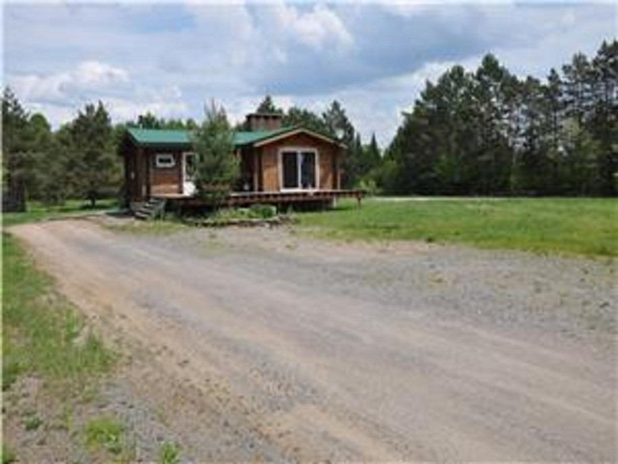 Attention All Investors & Developers!! Do Not Miss This Chance To Own A Cozy Bungalow With 88 Acres Of Private Land With A Creek That Flows Into Lake Of Bays. This Property Has Great Potential As It Has Multiple Zoning Available, M6, Ru1, Ru2 & Nr, Which Provides An Option Of Various Different Usage As Of; Single Detached Dwelling, Public Or Private Park, Pit & Quarry, Farm & Hobby Farm, Bed & Breakfast, & Much More! Licensed For Quarry Use For 59 Acres