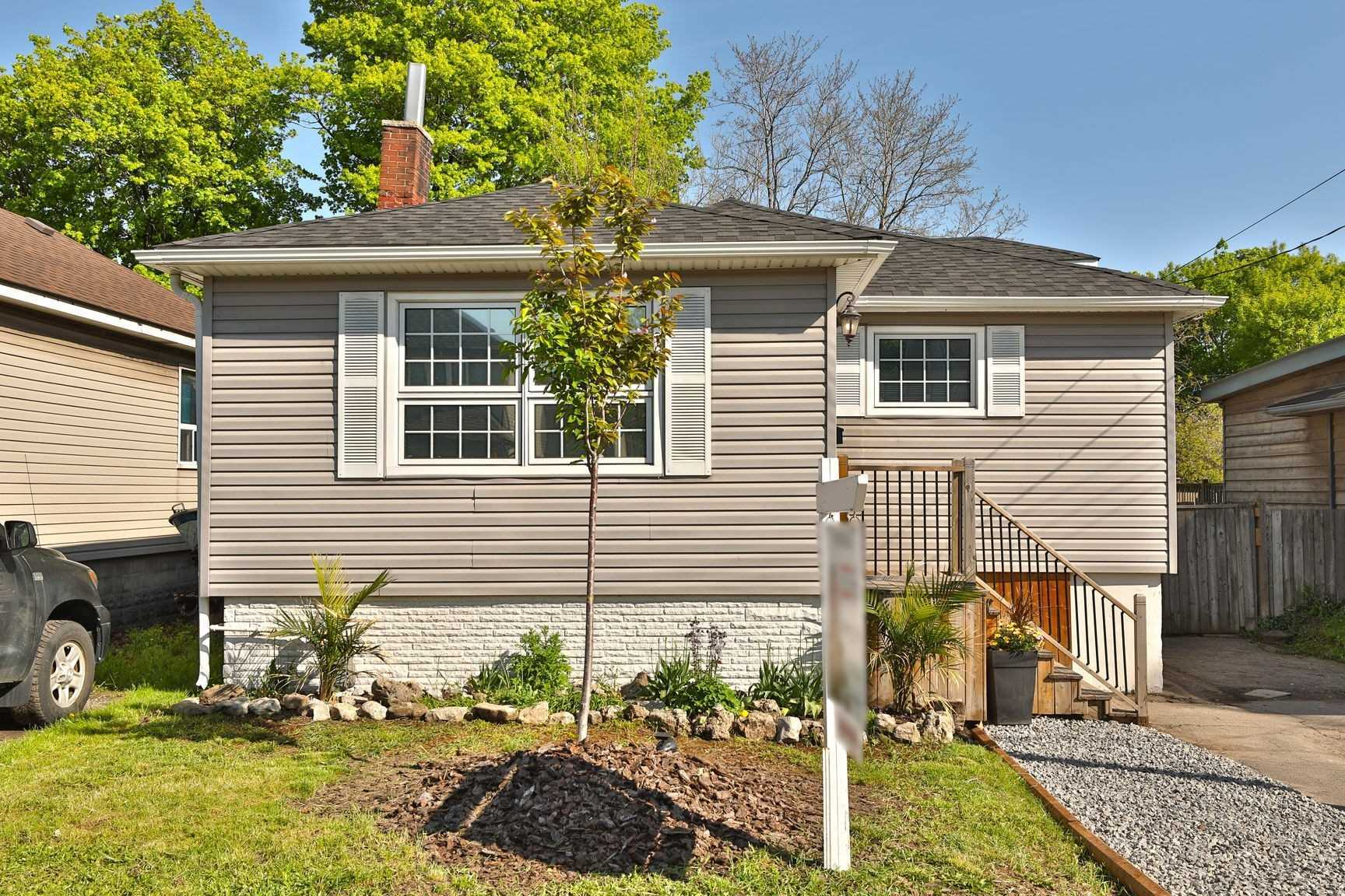 Trendy Hamilton Beach 3 Bed Renovated Open Concept Bungalow Complete With Ensuite, Main Floor Laundry, Stainless Appliances, Granite, Kitchen Island, Hardwood, Sunroom And More! Private Fenced-In Backyard W/ Mature Trees, Awaits Your Need To Relax After A Long Day Of Walking Along The Beach, Playing In The Sand Or Floating In The Lake! Easy Access To Hwy, Go, Burlington, & Over 12Km Long Waterfront Trail! Don't Pay Burlington Prices, But Enjoy The Proximity!