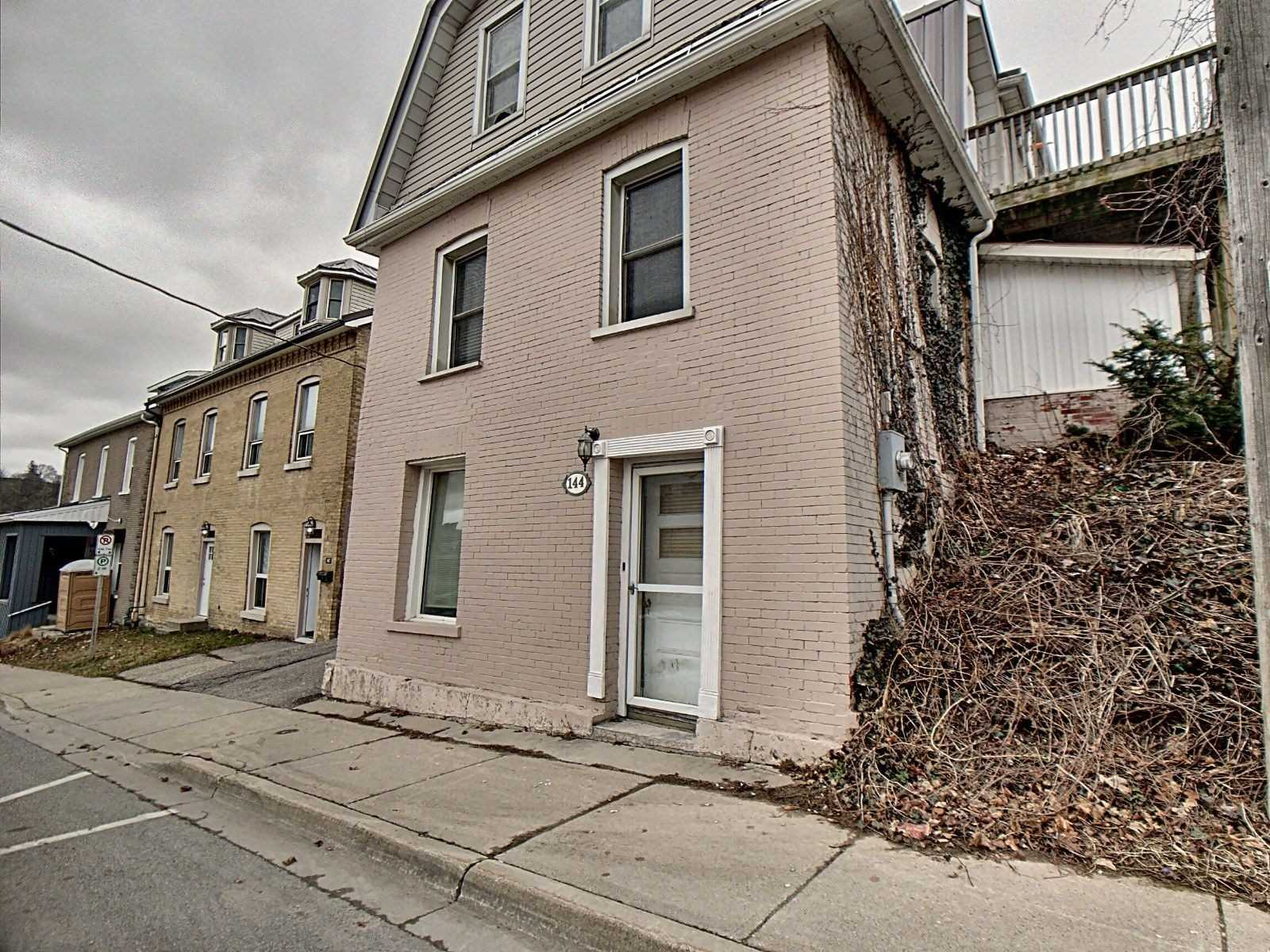 Own A Piece Of History In The Downtown Core Of Canada's Prettiest Little Town's ! Each Unit Has A Full Bathroom And Updated Kitchen. Beautiful Views Of The Grand River And Town Of Paris. Walk To Restaurants, Cafes, Shopping, Library. Also Includes A Detached Garage And Private Parking.