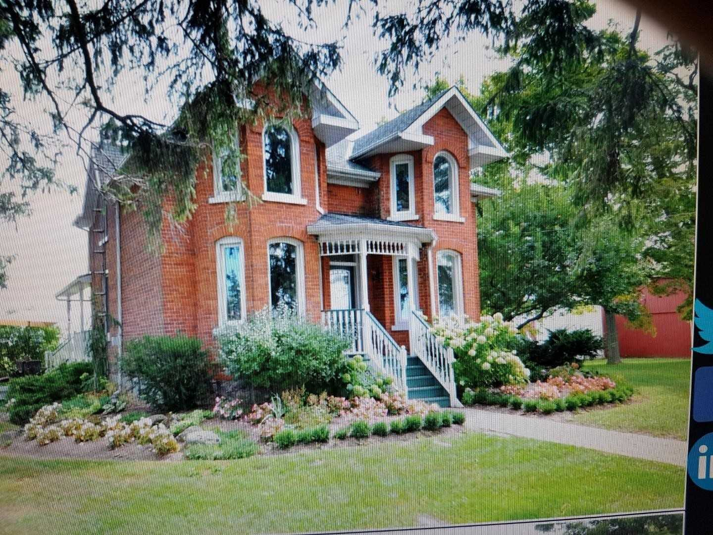 Gorgeous 134.31 Acres Near Glenbrook Municipal Centre, Summit Park & Turner Park. Approximately 2800 Sqft Victorian Home. Stunning Property With 4 Bedrooms, High Ceiling. 134.31 Acres Include 3 Barns, 3 Silos & A 3 Car Detached  Garage.