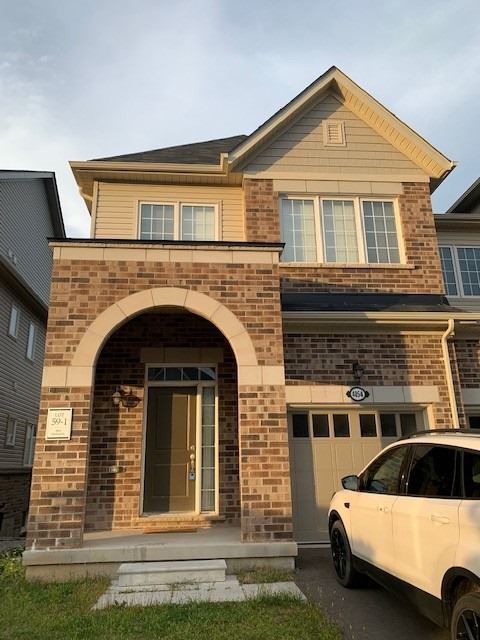 Amazing 4 Bedrooms, 3 Washrooms End Unit Townhouse With Separate Living & Family, Kitchen With Island/Breakfast Bar. Walkout Basement & Tons Of Upgrades With Stained Hardwood On The Main Floor, Dark Stained Staircase On Upper Hallway & Upgraded Berber Carpet In Br's With Larger Windows. Fully Fenced Yard With Deck. Minutes To Hwy 403, Close To New Go St, Shopping Plazas And Other Amenities.