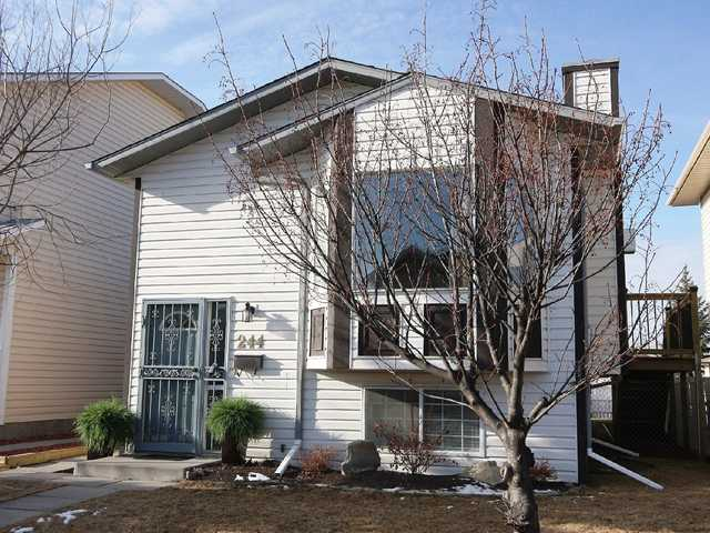$$HUGE PRICE REDUCTION$$   Welcome to your NEW home, an IMMACULATE bi-level that has been totally redone over the last couple of years.  Over 30,000 in upgrades in the past two years make this home a FABULOUS OPPORTUNITY for the savvy buyer. NEW garage, NEW side deck and garden doors, NEW back deck, NEW paint, NEW appliances, NEW back fence and sod, NEW lighting plus much more!  Even NEW shingles.  Three bedrooms (2+1), and two full baths, gas fireplace, dining room with gorgeous built-in china cabinet.  Master and second bedrooms have large walk-in closets.  Enjoy your morning coffee on the private southwest-facing deck off the master bedroom.  Entertain your friends in the fully finished basement, complete with wetbar.  Or just spend a quiet evening in front of the gas fireplace in your large living room. This home is immaculate and sunny - the perfect place to raise your family!