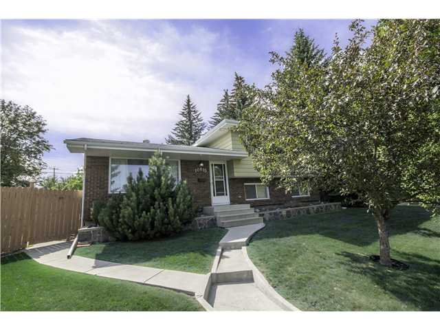 OPEN HOUSE SATURDAY SEPT 21 FROM 1PM TO 3PM. 10615 SHILLINGTON CRESCENT SW. SPECTACULAR! Is the only word to describe the lot that this house is situated on. The yard is huge complete with a deck, fruit trees and shrubs, a QUADRUPLE detached garage, a real mechanics dream, plus RV parking. The house is a 4 level split with 3 bedrooms up and one bedroom on the 3rd level. The main floor has beautiful original hardwood and the upper level has the same hardwood underneath the carpet. The house does require some TLC so if you're looking for a place to make your home this just might be the place for you. This property is close to the LRT, schools, shopping, superstore and downtown. Be sure to watch my video to see a lot more pictures of this magnificent property.