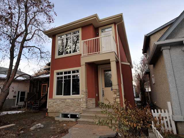 OPEN HOUSE NOV 30 & DEC 01 2:30-4:30PM Great location in Tuxedo. This fabulous single family home featuring a wonderful open floor plan and a fully finished basement is ready for occupancy within 2 weeks. Home comes with a $7000 appliance and blind package.