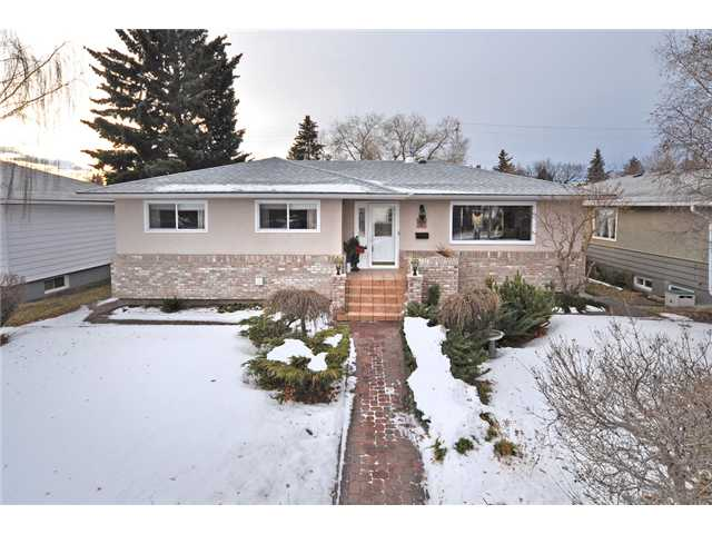 It will be hard to find a prettier or tidier move in ready home in this area. Located across from the community hall & school, this renovated gem has a new roof, low-e windows, wiring & H2O tank. The furnace was replaced in 2000 so lots of time still left on this unit. As you drive up you will know you have found a special home. Stunning curb appeal & landscaping will have you wanting to see more. As you enter, the gleaming hardwood greets you. The living room is stunning & features the first of 2 fireplaces. The renovated kitchen is spacious & has newer stainless steel appliances & maple cupboards. If a master retreat is important you must view this home. There is a large second bedroom & wonderful 5 pc bathroom. The basement has a beautiful family room with built-ins, a fireplace & bar. There are 2 more generous bedrooms & a renovated 3 pc bathroom. This home is as fabulous outside as it is inside. A built in BBQ, large deck & hot tub are ready for you to entertain. The garage features a new door.