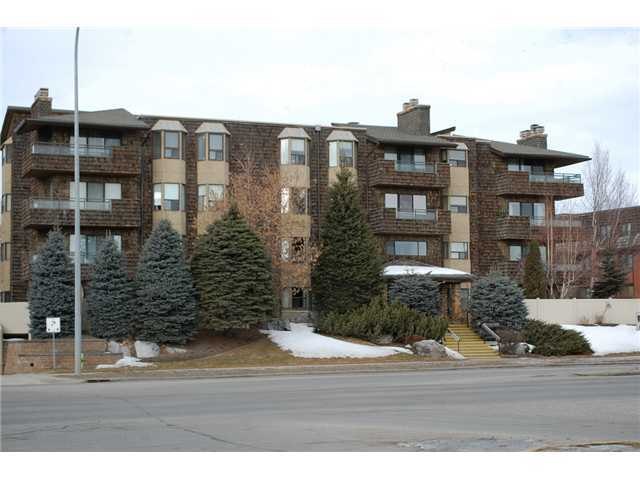 SUPER LOCATION!! Very well maintained adult (+25) building ideally situated directly across from Market Mall with public transit right outside the building. Close to the U of C, Foothills Hospital and Alberta Children's Hospital. Common laundry area on each floor is free! HEATED underground parking.