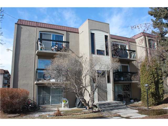 Top Floor, End Unit, Two Bedroom, Two Bathroom, Insuite Laundry! That's the combination of features you are looking for and all for under $220,000! Flooring has been updated throughout and new laminate flooring in the master. Nice private deck overlooking the quiet courtyard with great morning sunshine. Spacious unit with front and back entrances and the rare and highly coveted insuite laundry! Comes with one parking stall and building is situated right next to a generous visitor parking area. Very close to schools, restaurants, shopping, public transportation and Heritage LRT station. All this and very reasonable condo fees.  Call for your viewing today!