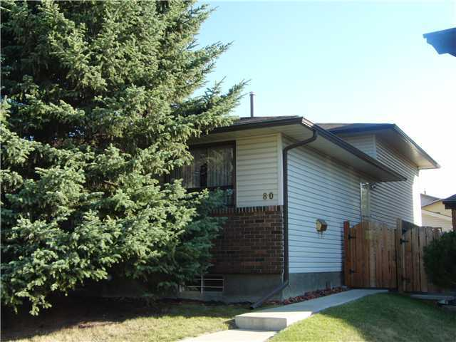 AFFORDABLE LIVING! THIS DUPLEX UNIT IS WELL MAINTAINED WITH A DOUBLE DETACHED GARAGE. NO CONDO FEES. NEW ROOF. UPDATED KITCHEN AND BATHROOMS.3 BEDROOMS. BASEMENT FRAMED FOR A 4TH BEDROOM. KIDS PLAY STRUCTURE IN REAR YARD.  CLOSE TO ELEMENTARY SCHOOLS, PLAYGROUNDS, PUBLIC TRANSPORTATION AND SHOPPING. CALL NOW TO VIEW!